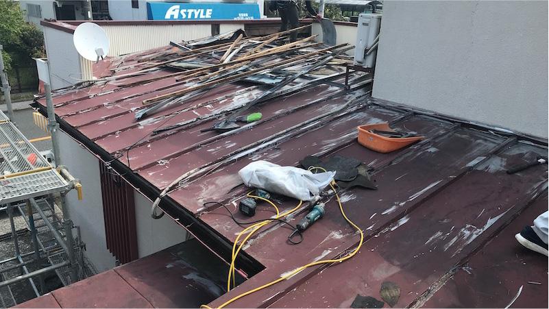 トタン屋根の板金剥がし