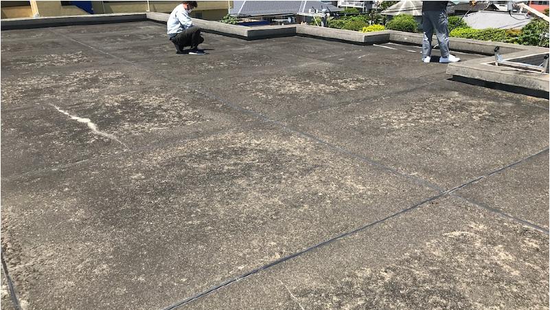 屋上防水工事の施工前の様子