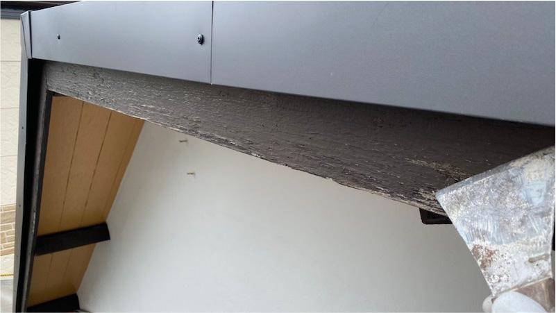 外壁塗装の破風板の塗装