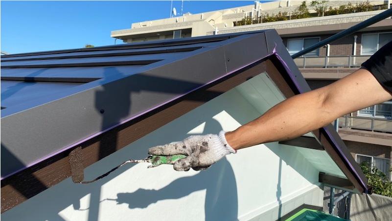 破風板のウレタン塗装