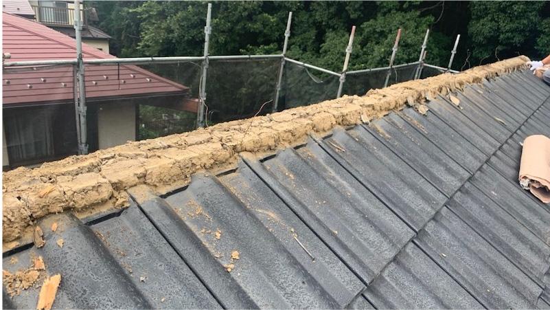 セメント瓦の棟の撤去・解体