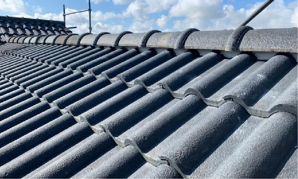 船橋市の屋根の葺き替え工事の施工事例