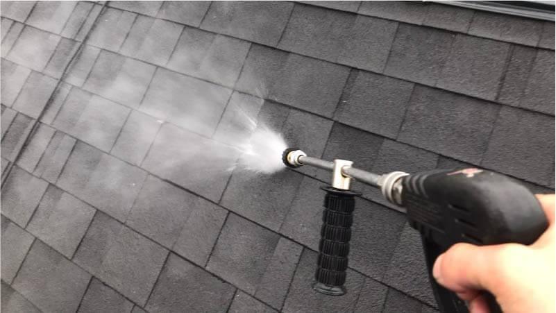 屋根塗装の高圧洗浄