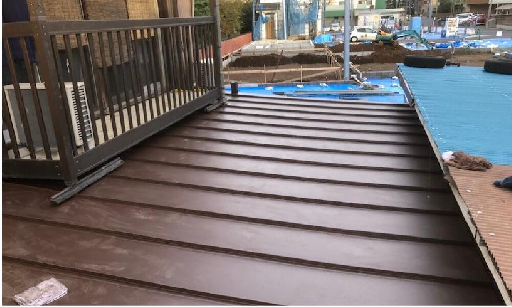 船橋市の倉庫の屋根吹き替え工事の施工事例