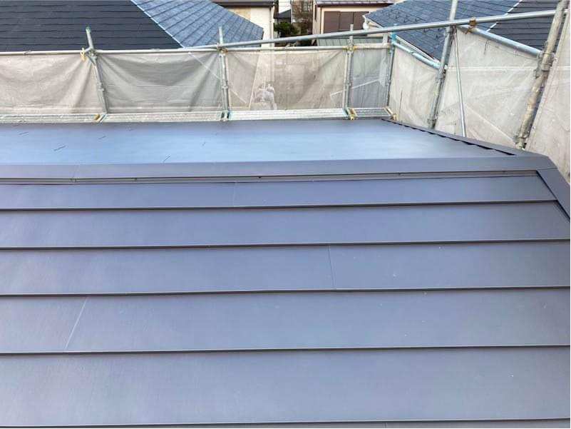 船橋市の屋根リフォームの屋根材の屋根の施工後の様子