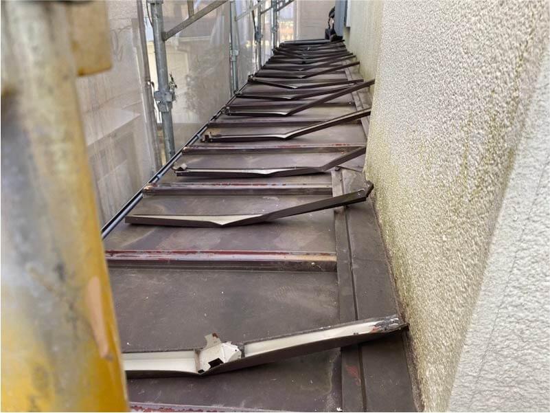船橋市の屋根リフォームの屋根材の下屋根の撤去