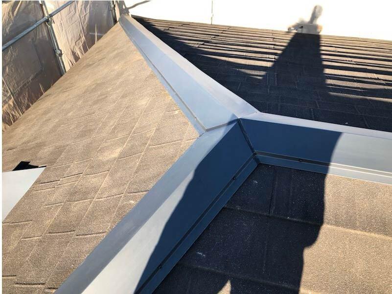 横浜市の屋根塗装の棟板金の交換工事