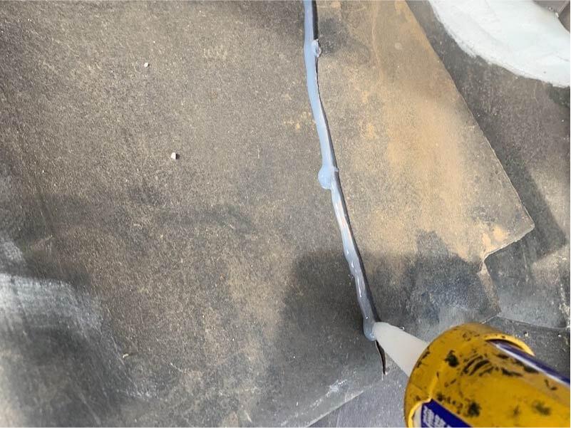 市川市の屋根修理のラバーロック工事