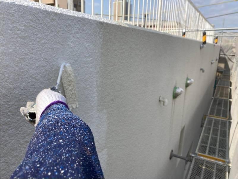市川市の外壁塗装の下塗り