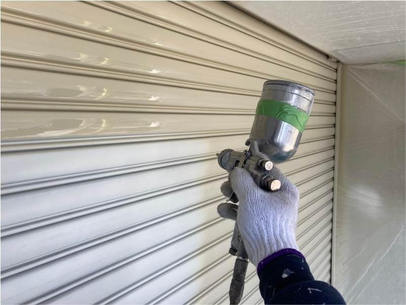 市川市の外壁塗装のシャッターの塗装