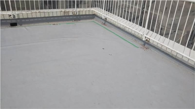 市川市の屋上防水工事の施工前の様子