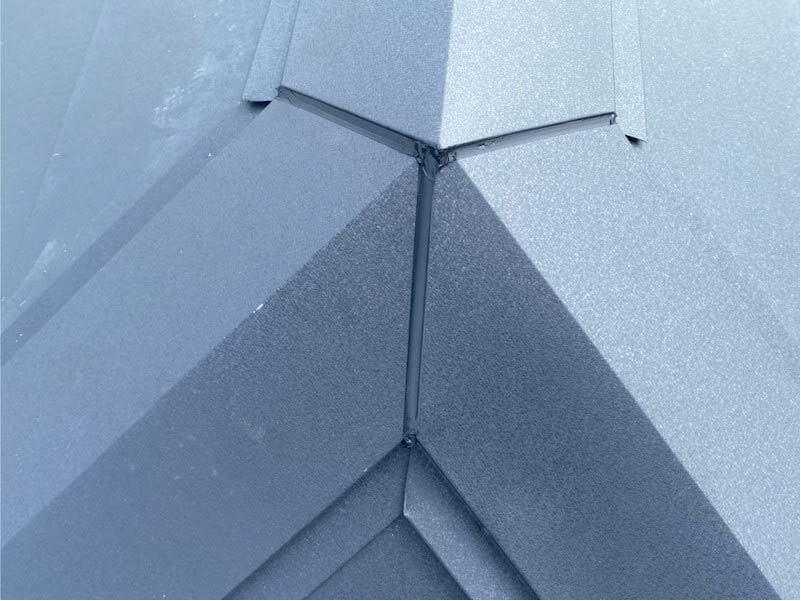 加須市の屋根葺き替え工事の施工後の様子