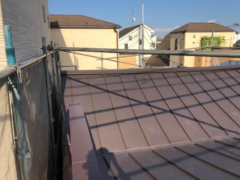 目黒区の屋根リフォームの屋根材の設置
