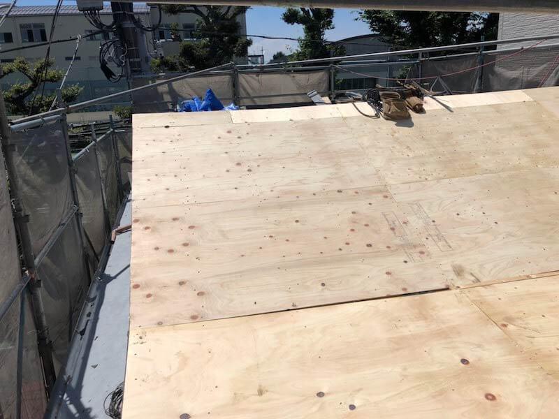 目黒区の屋根リフォームの野地板の設置