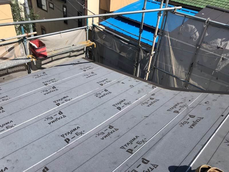 目黒区の屋根リフォームの防水シートの設置